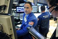 جهش بازارهای مالی و سقوط طلا در پی ارائه بسته جدید کاری در آمریکا