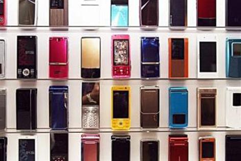 در همه گمرکها اجرایی شد/ واردات گوشی تلفن همراه با تعرفه 10 درصدی
