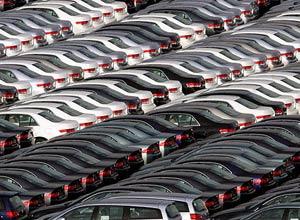 نسیم ارزانی به بازار خودروهای وارداتی وزید