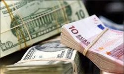 هجوم مردم به بازار ارز / تقاضاهای دلار۱۴۰۰ تومانی به در بسته خورد