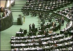 بهمنی در کمیسیون بودجه حاضر میشود