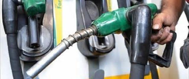 واردات بنزین متوقف نشده است