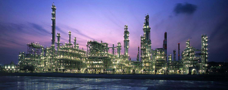 اولتیماتوم جدید دولت به پالایشگاهها/ کیفیت بنزین باید یورو 4 شود