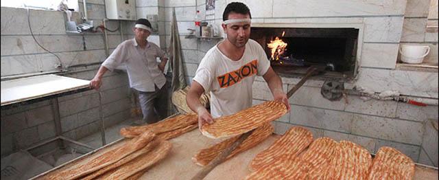 نانوایان: افزایش قیمت نان ضروری است/ مسئولان: در حال بررسی هستیم