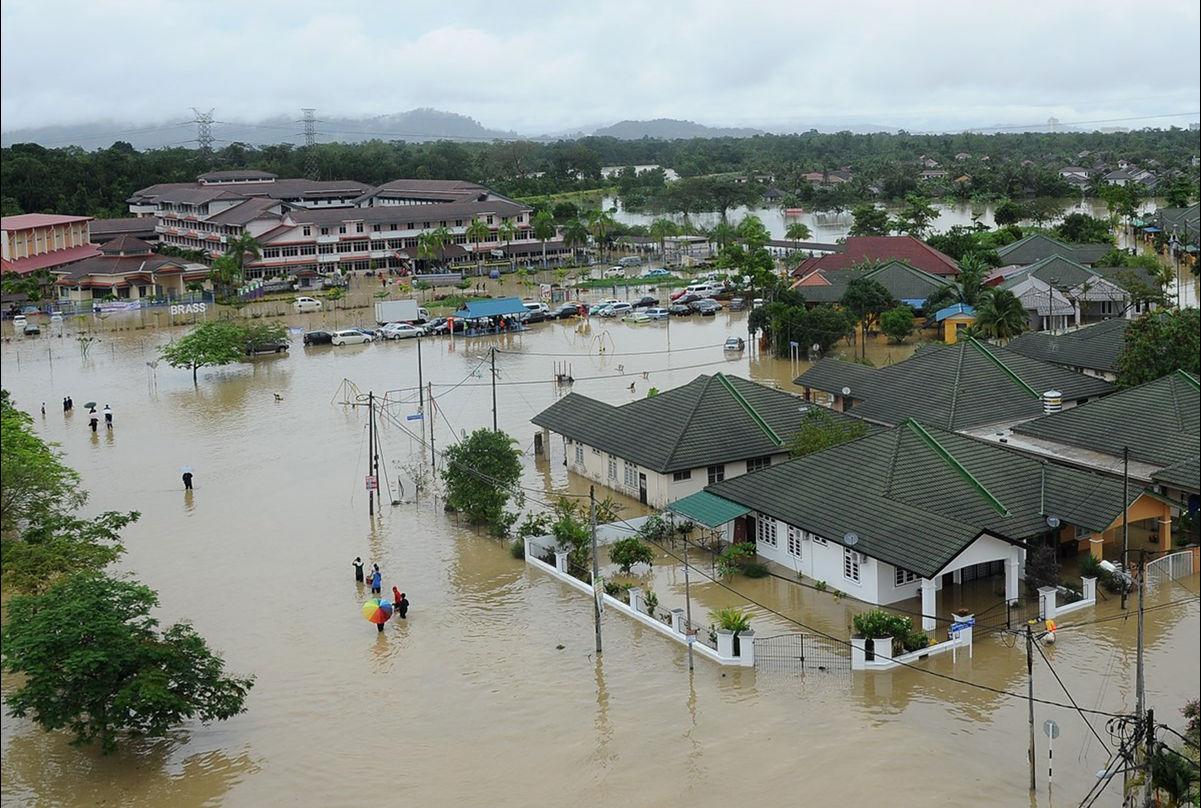 افزایش قیمت کائوچوی طبیعی و روغن پالم به سبب بروز سیلاب