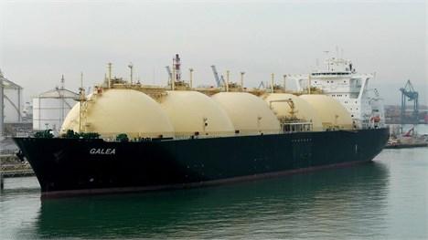 رکود بازارهای جهانی نفت و گاز موجب بلا استفاده ماندن کشتی های نفتکش در بنادر آسیایی گردیده است