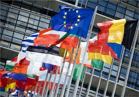 چشم امید اروپا به روشن شدن موتور آلمان