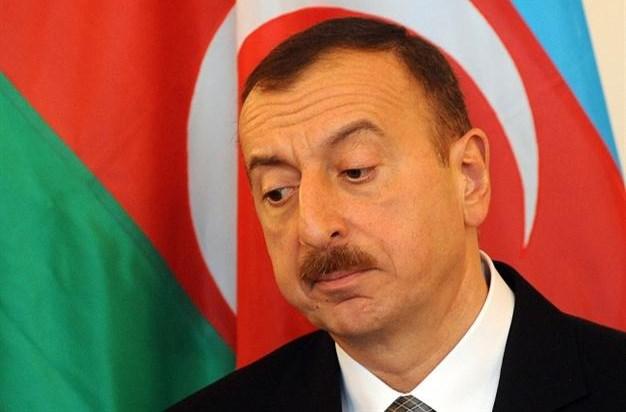 کاهش 35 درصدی ارزش واحد پول جمهوری آذربایجان