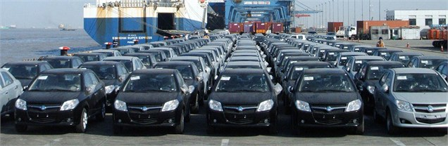 دوراهی وزارت صنعت در واردات خودرو