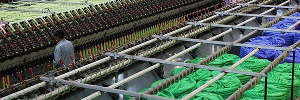 نظارت جدی بر واردات نساجی در بوشهر انجام میشود