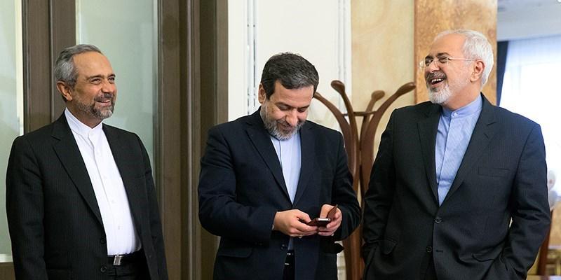 آغاز جلسه غیر علنی مجلس با حضور ظریف و عراقچی