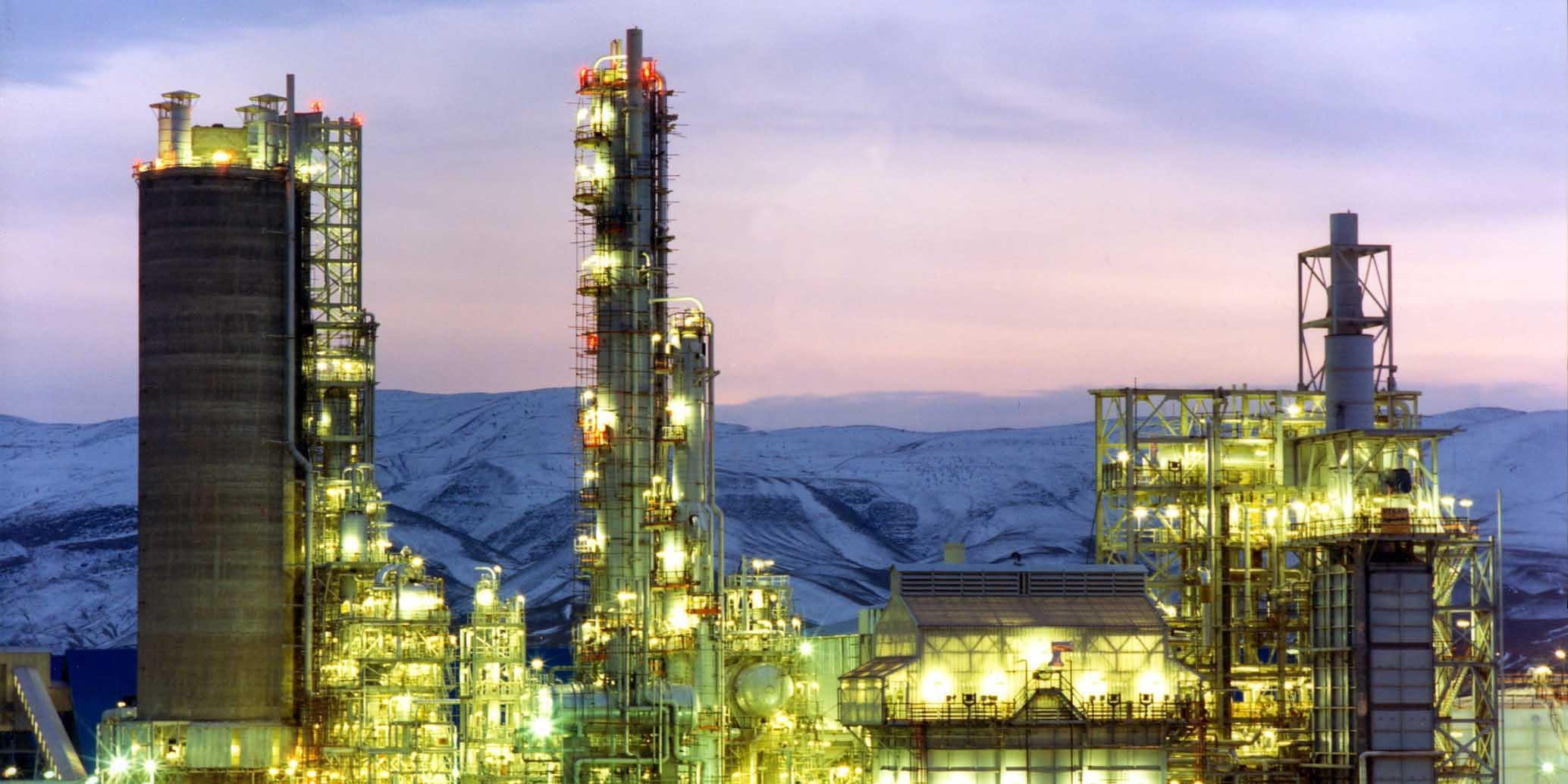تاثیر کاهش قیمت نفت بر صنعت پتروشیمی در 5 قاره
