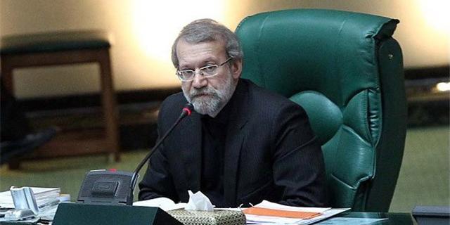 لاریجانی: مجموعه نظام با بررسی تمام ابعاد پیشنهاد مذاکره هستهای را پذیرفت