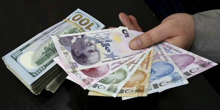 کاهش بیسابقه ارزش لیر ترکیه تحت تاثیر بحران سیاسی و اقتصادی