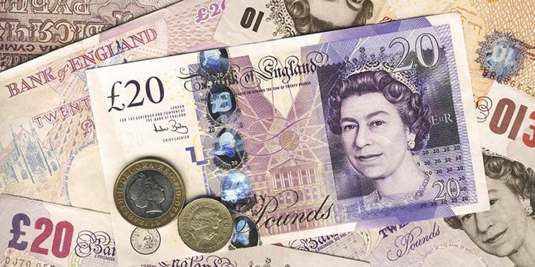 خداحافظی انگلیسیها با اسکناس کاغذی