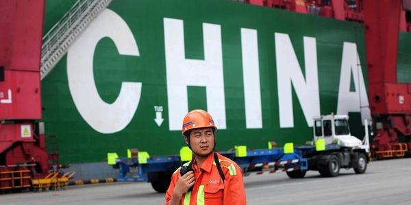 کاهش قابل توجه واردات و افزایش تراز تجاری چین