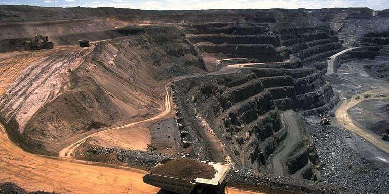 معدن شن و ماسه و کارخانه آسفالت فک پلمب شدند
