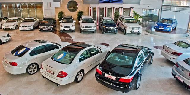به عملکرد واردکنندگان خودرو رسیدگی شود
