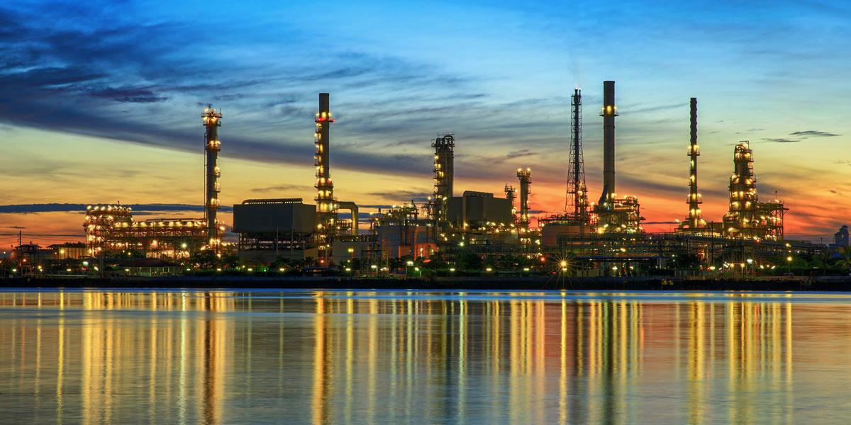 توقف توسعه صنایع پتروشیمی جهان با سقوط قیمت نفت
