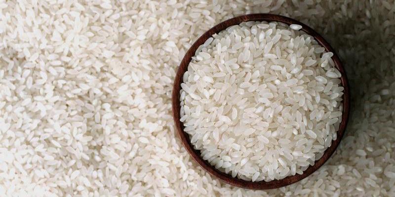 جلسه حجتی با قنبری درباره توزیع برنج آلوده