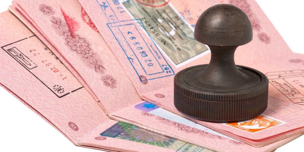 توصیه موسویان به دولت ایران درباره قانون ویزا