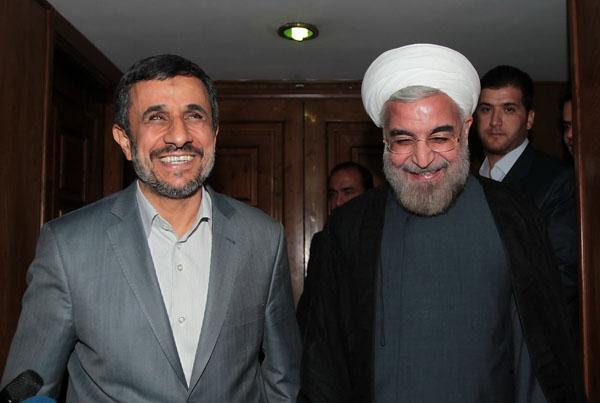 احمدی نژاد برای انتخابات ریاست جمهوری و رقابت با روحانی آماده میشود