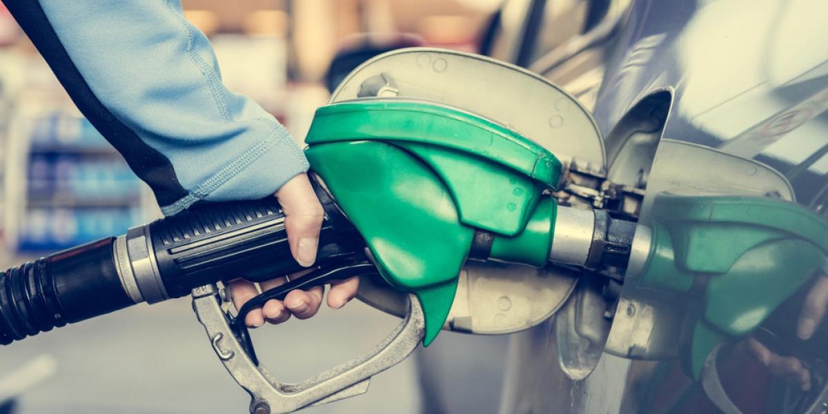 مشکلاتی که دونرخی بودن بنزین برای مردم و اقتصاد ایجاد میکند