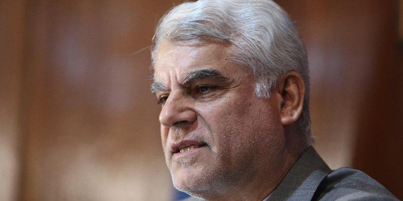 واکنش بهمنی به مصادره ۲میلیارددلاری/نگذاشتیم آمریکا دست درازی کند