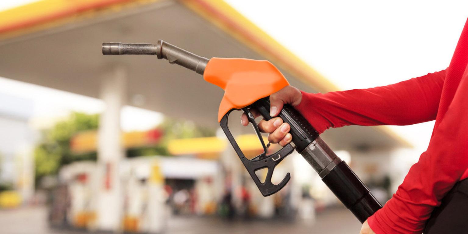 تکذیب بنزین 1500 تومانی/حمایت دولت از بنزین تک نرخی