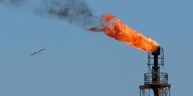 بازگشت ایران به بازار نفت موجب شکست روسیه شد/ایران باید تکنولوژی وارد کند