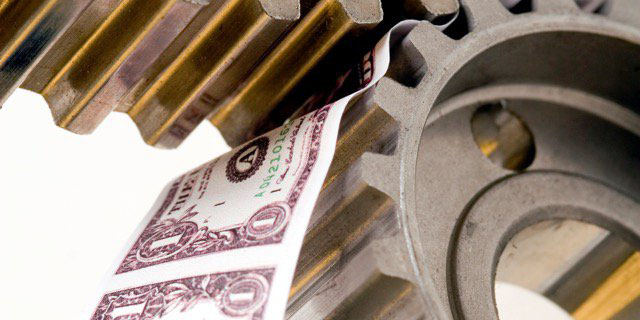 بانکها در پرداخت تسهیلات به تولید سختگیری میکنند