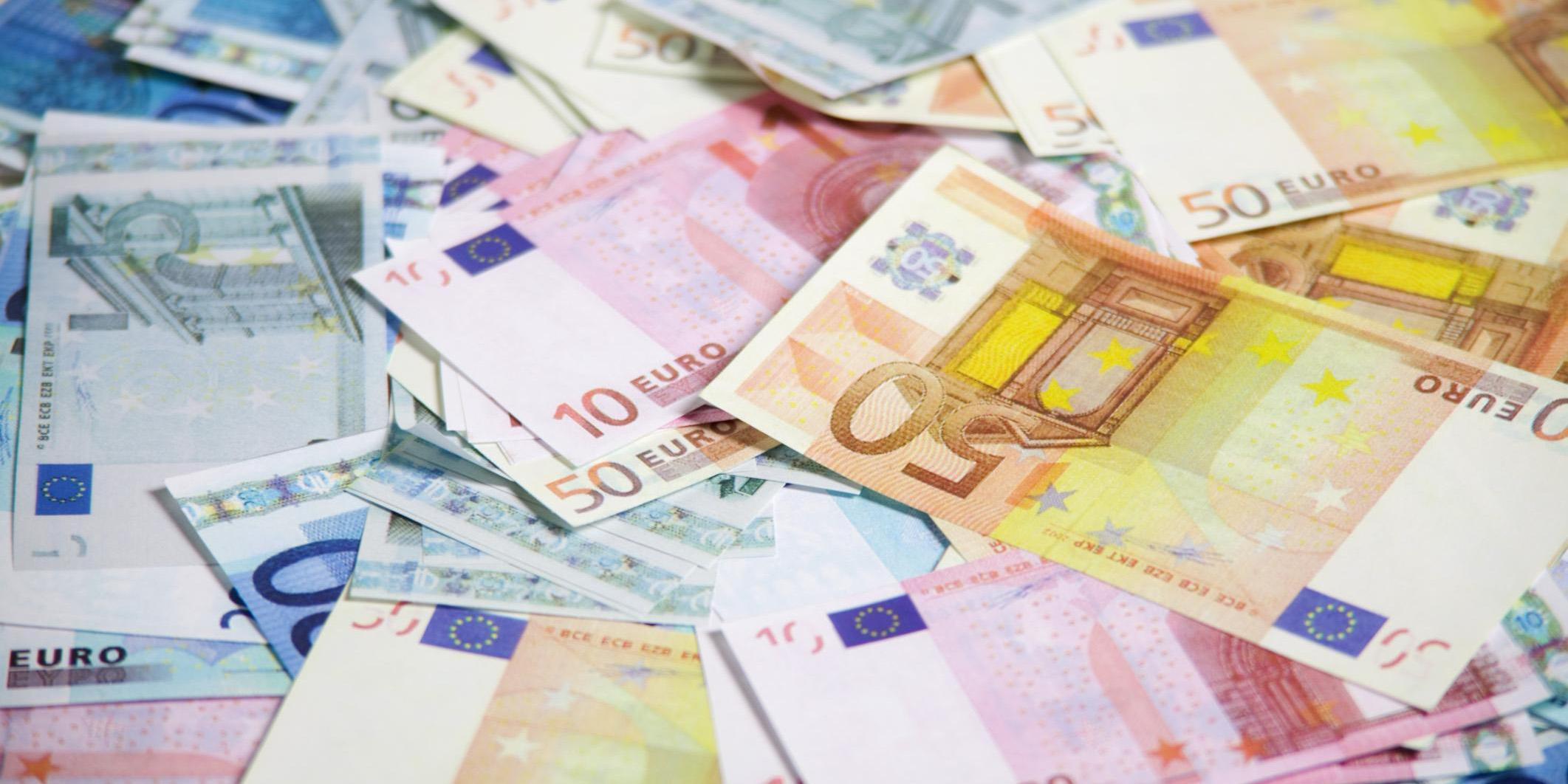 واکنش تجار به تصمیم ارزی دولت/ بهار دلارهای رانتی خزان میشود؟