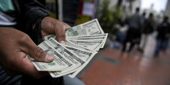 اثر فروش ارز از سوی بانکها