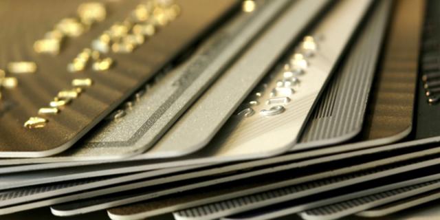جزئیات اقساط کارتهای اعتباری ۱۰، ۳۰ و ۵۰ میلیونی/ مردم از کارت برنزی استقبال کردند