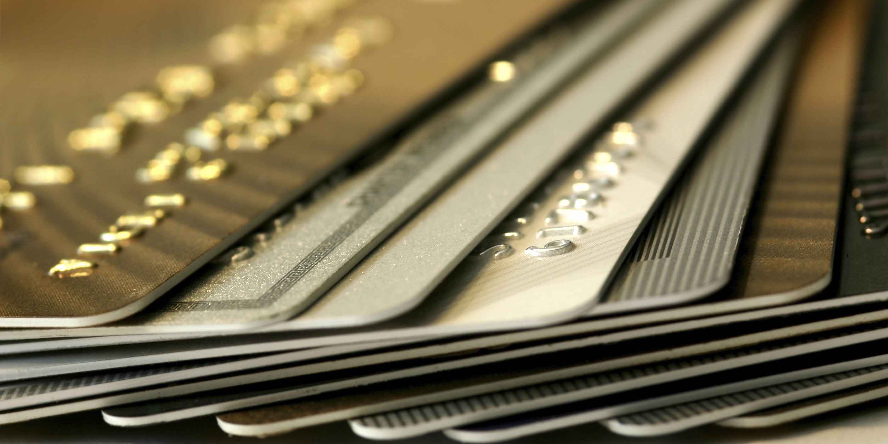 نیمهپنهان کارتهای اعتباری خرید کالا/ مردم فرمان توقف دادند