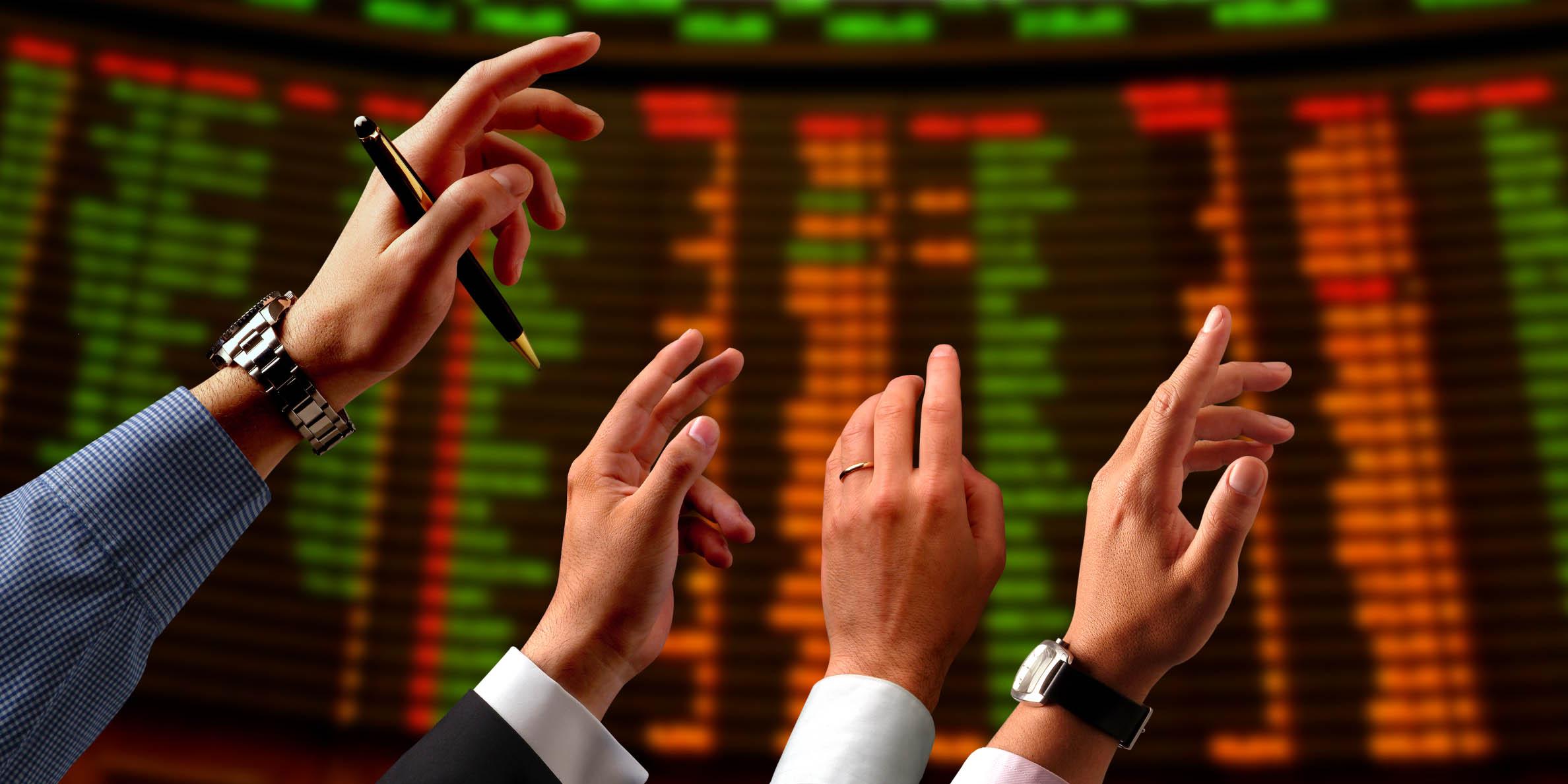 بیمناکی سهامداران از بانکداران/آینده شاخص با گشایش نماد بانکها