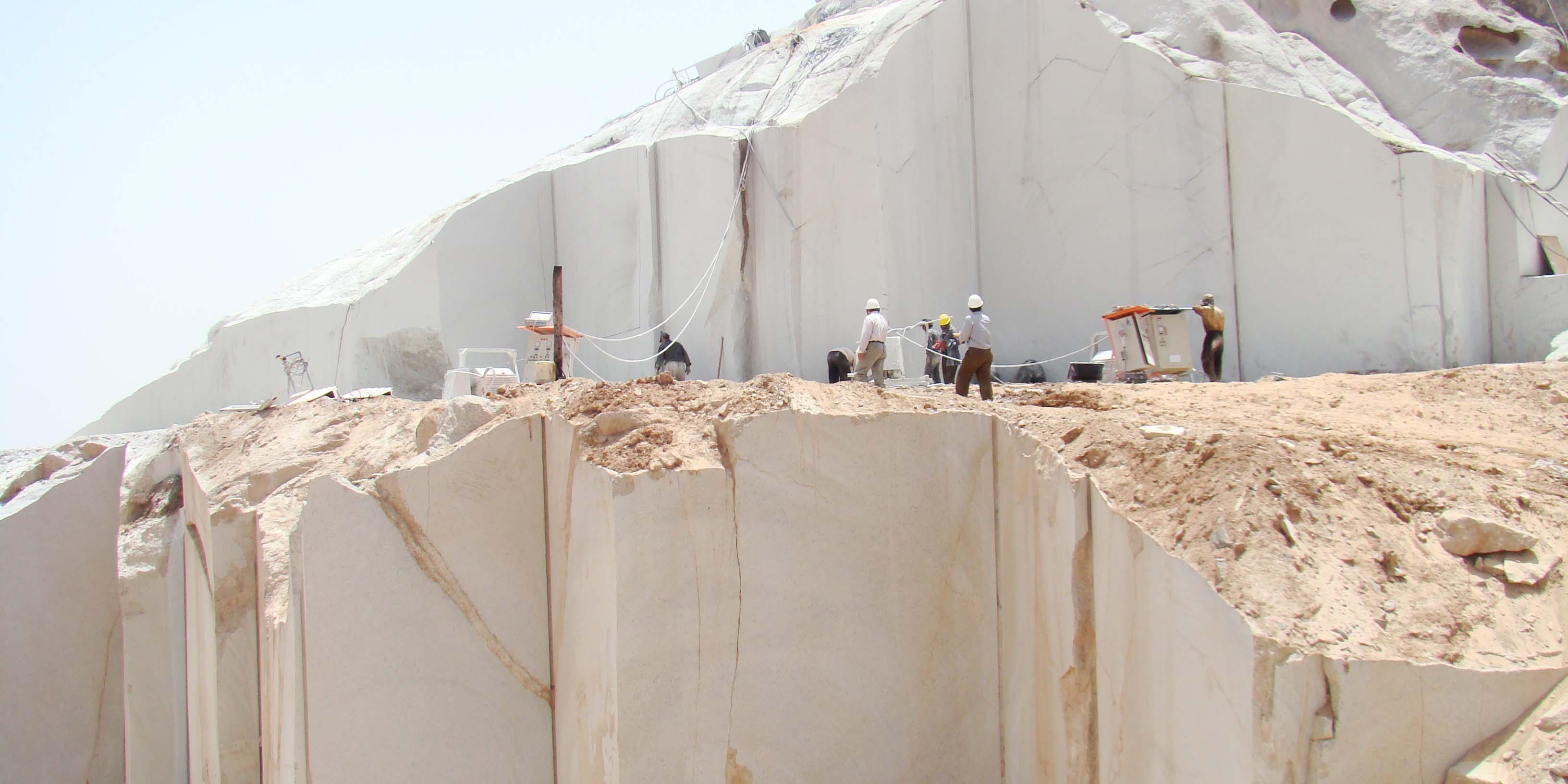 هزار راه نرفته برای رونق بازار سنگ لرستان