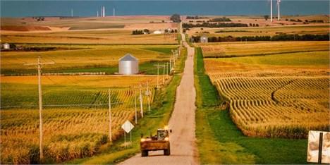 ورود فلزات سنگین و عوامل بیماریزا ناشی از هدررفت آب در بخش کشاورزی است