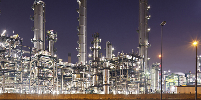 عرضه بیش از 100 هزار تن انواع محصولات نفتی و پتروشیمی