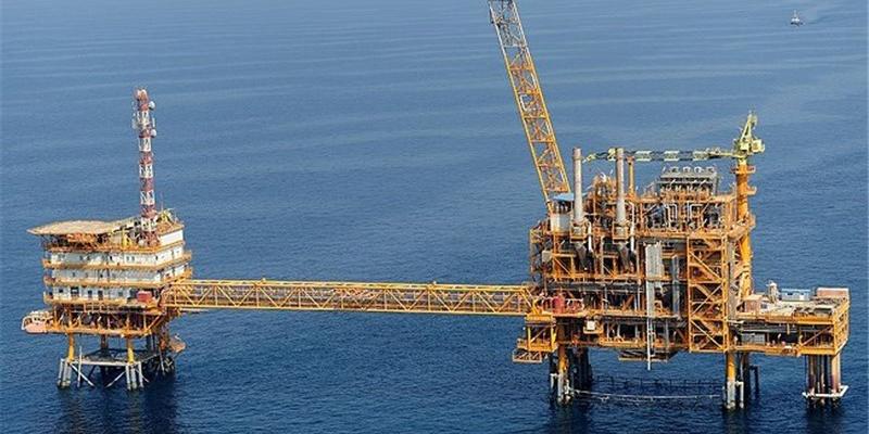 آغاز برداشت نفت از بزرگترین میدان گازی دنیا و برابری تولید گاز ایران و قطر