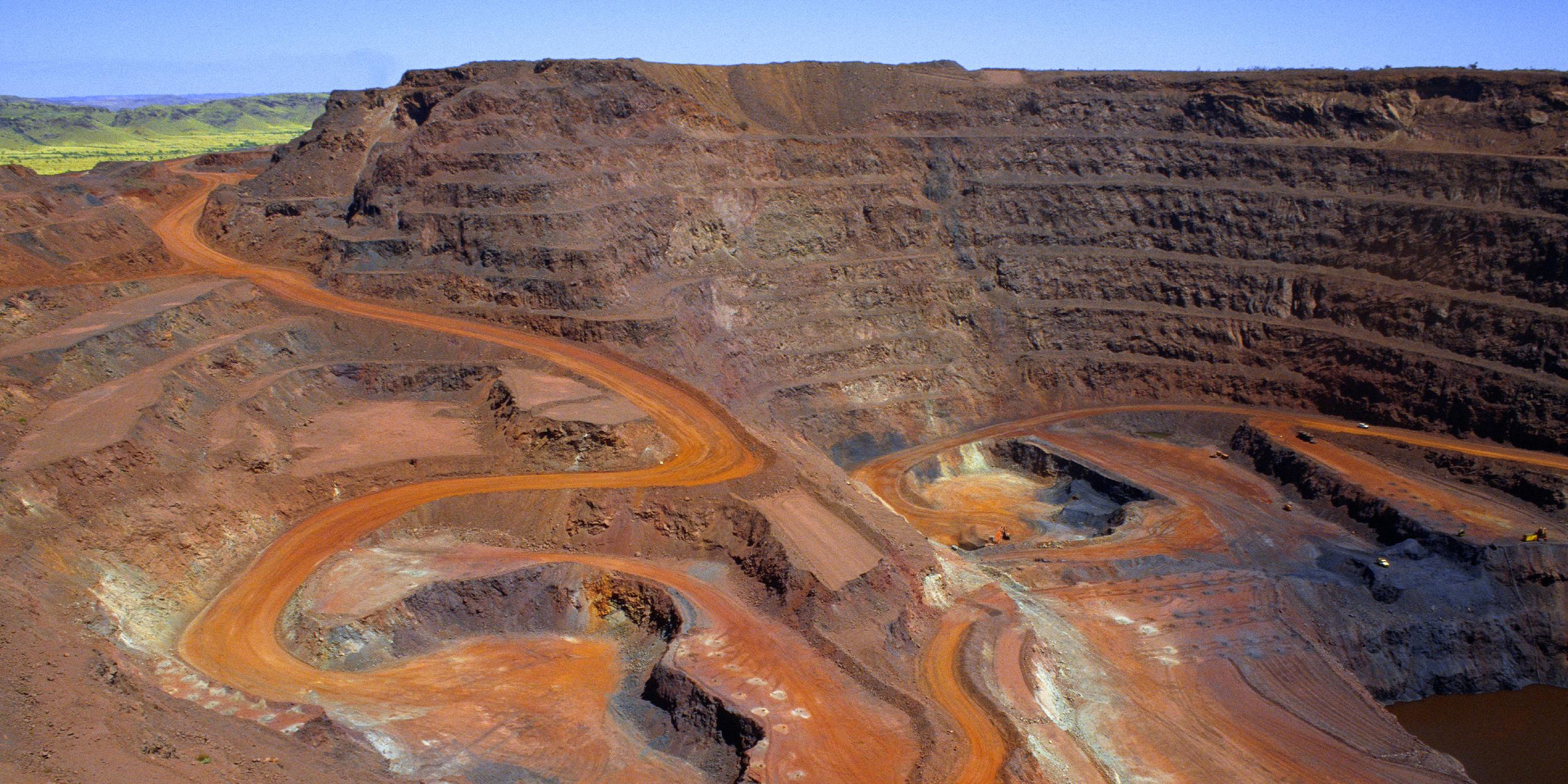 پیشبینی افت قیمت سنگ آهن به کمتر از ۵۰ دلار