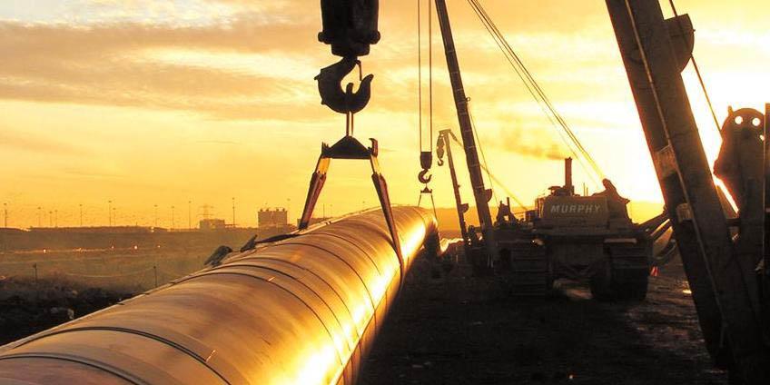مهم ترین قرارداد نفتی خارجی در پسابرجام امضا میشود/ انتقال فناوری ساخت لولههای سی.آر.ای