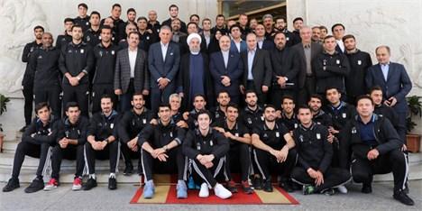 رییس جمهور با اعضای تیم ملی فوتبال دیدار کرد