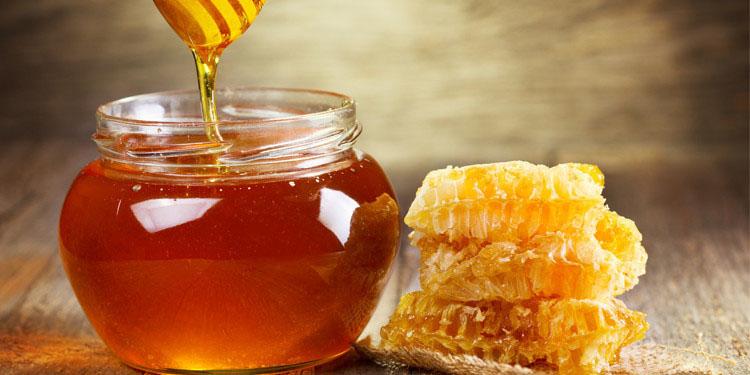 برداشت عسل از 23 هزار مجموعه پرورش زنبور عسل در خمین آغاز شد