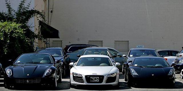 ثبت سفارش واردات خودرو متوقف شد