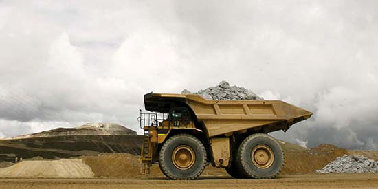 در تجارت، تولید و فروش مواد معدنی باید از حالت سنتی خارج شویم