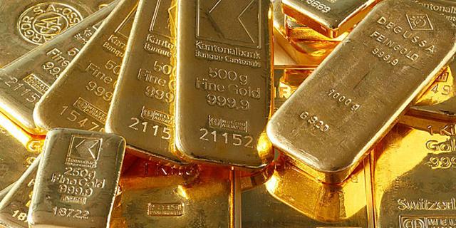 طلای جهانی بالای ۱۳۲۰ دلار ایستاد