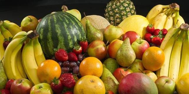 تهرانیها میوه را ۲۸ درصد گرانتر میخرند!