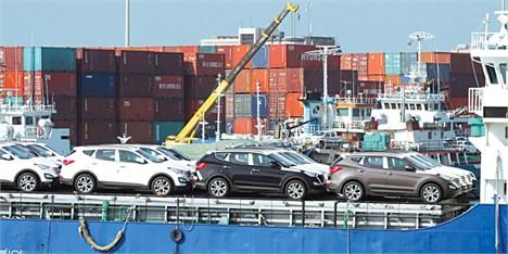آیا قیمت خودروهای وارداتی کاهش مییابد؟