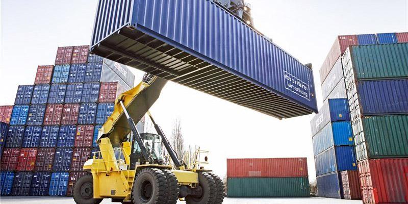 نوسان نرخ ارز به صادرات کمک نمیکند
